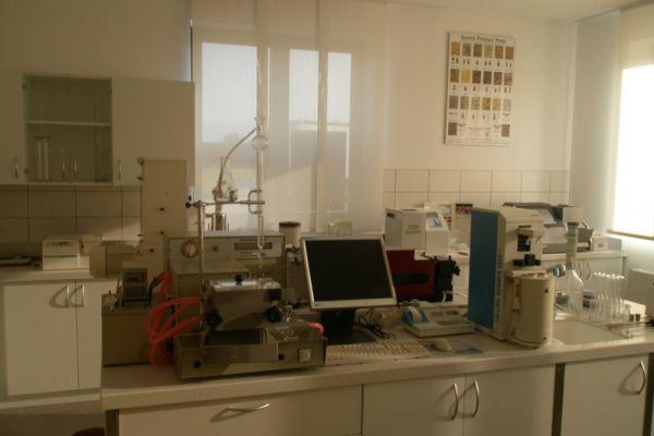lab204898B1351-D11B-6AC8-D9D7-77168BC710FE.jpg